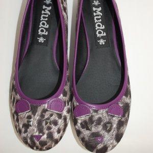 New MUDD CAT flats Purple Black & White size 6.5 M